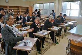 教室内にて
